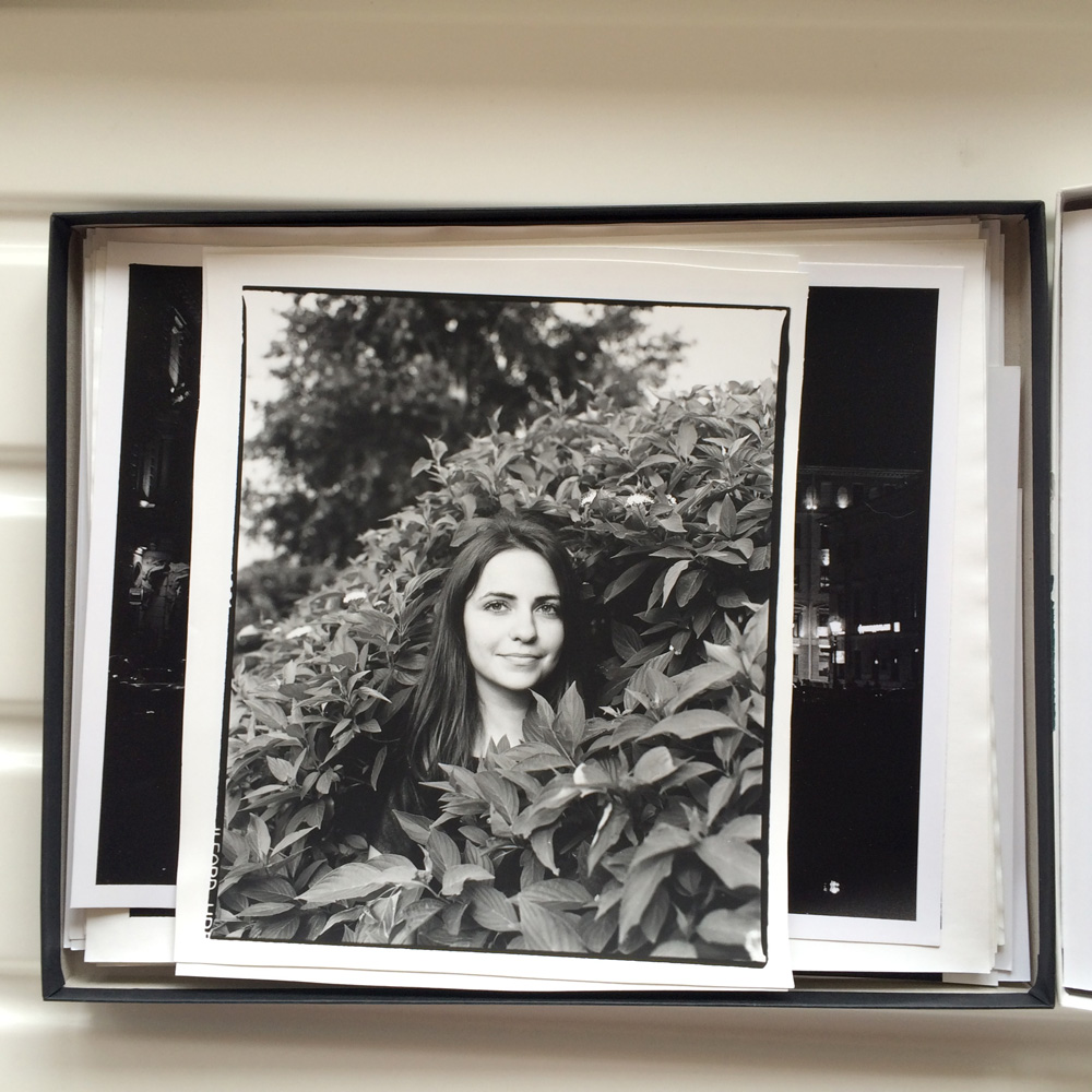 Marina in bushes. Tomsk, Russia, 2014 © Pavel Kim